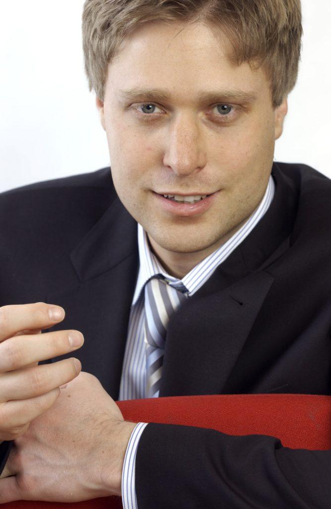 Simon Betschinger Start Business